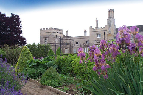 Grimsthorpe Castle - Historic house with gardens and parkland